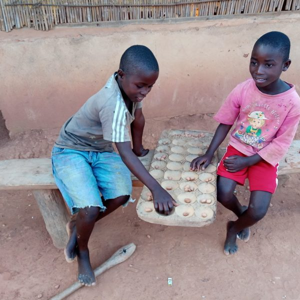 African children playing game